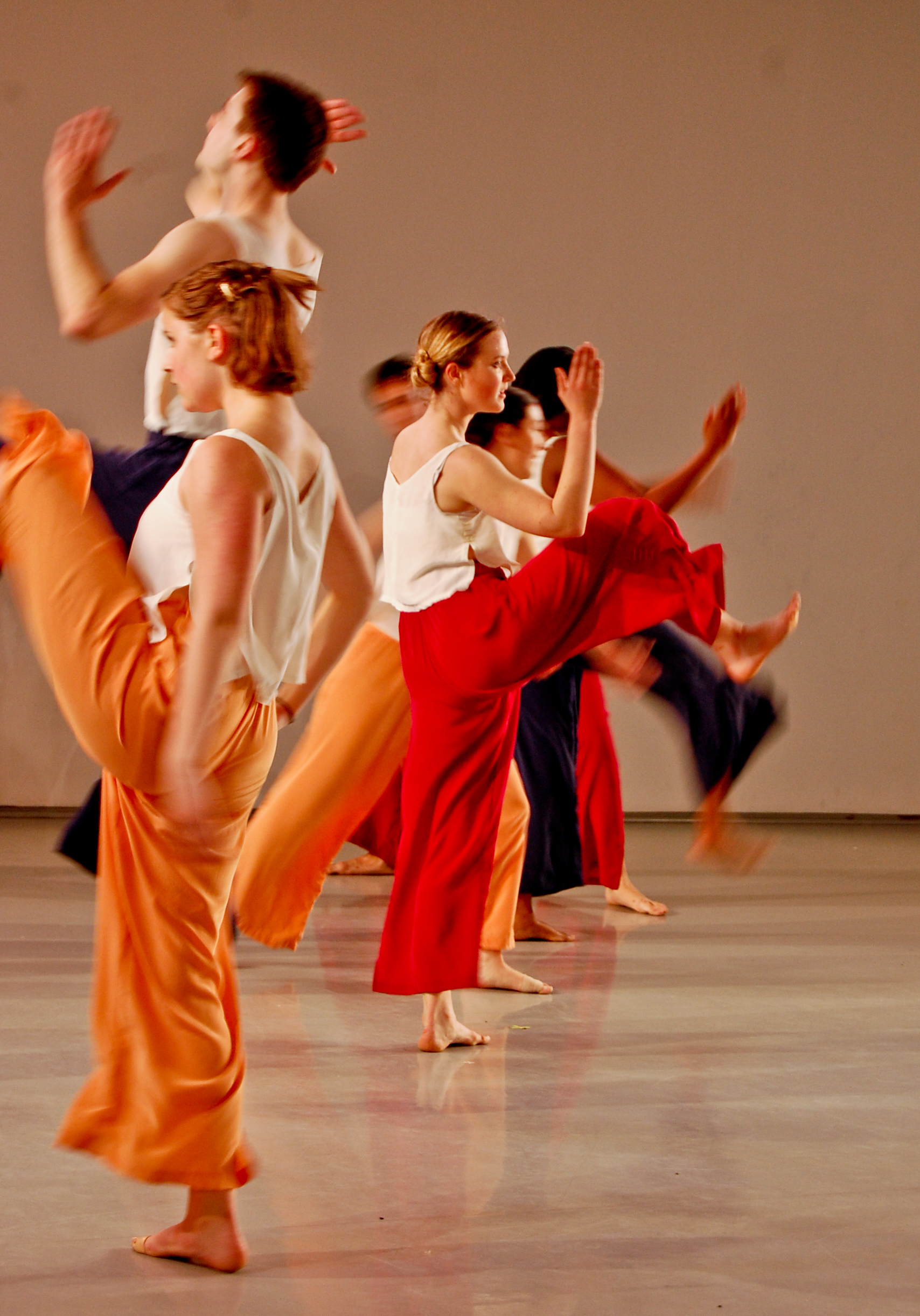 essays about dance performance Dancing is the art of moving the body in time to music dancing is both an art and a form of recreation most people dance to have fun or to entertain.